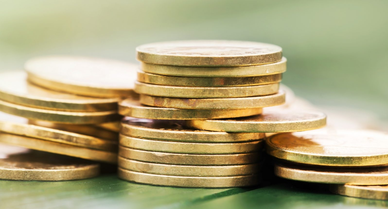 advantages of buying gold britannia coins